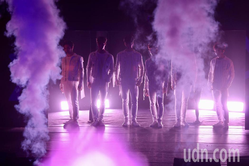 韓國男團「ASTRO」晚上在台北國際會議中心舉行演唱會。記者林伯東/攝影
