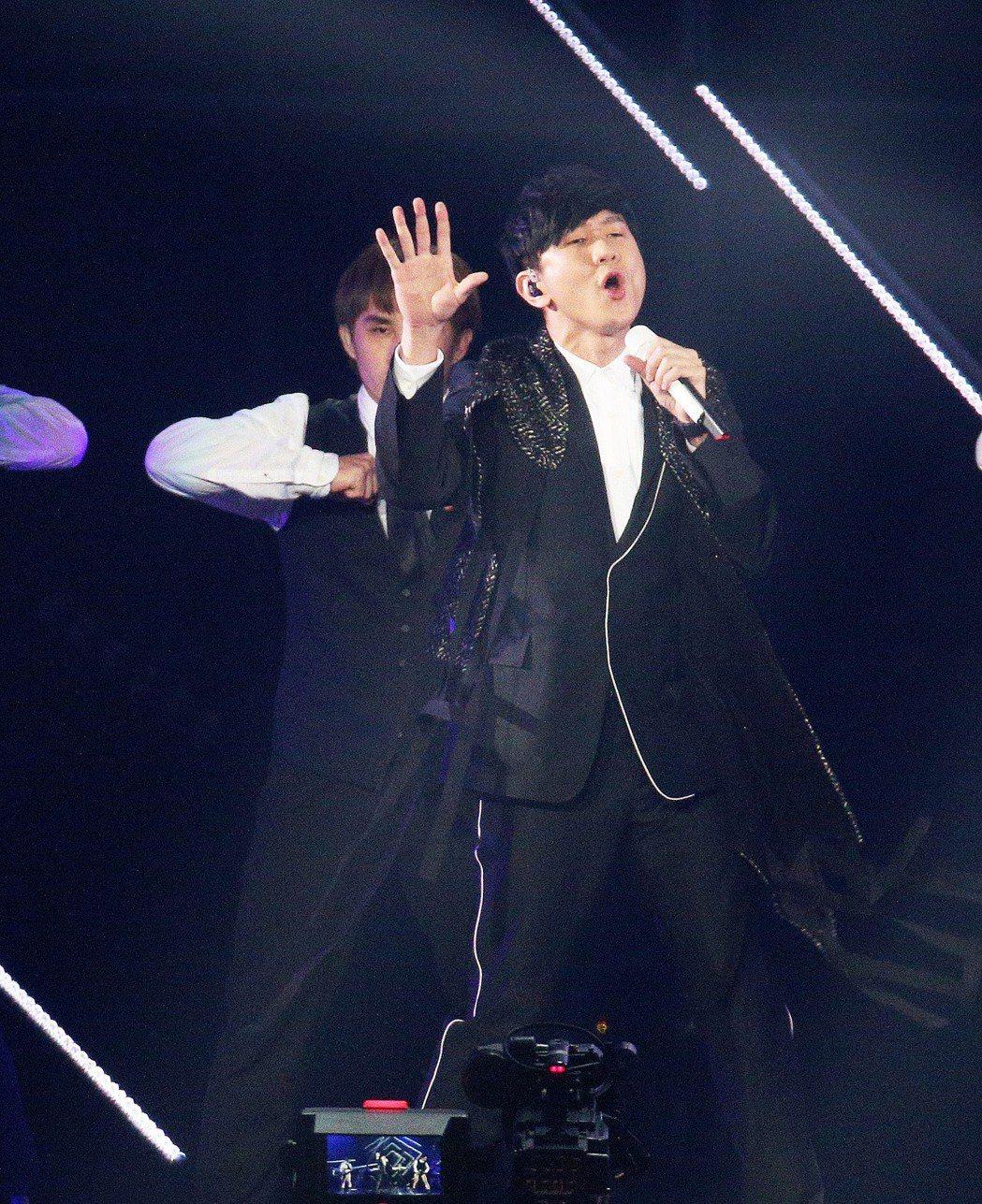 林俊傑20日以大陣仗登上KKBOX舞台。記者劉學聖/攝影