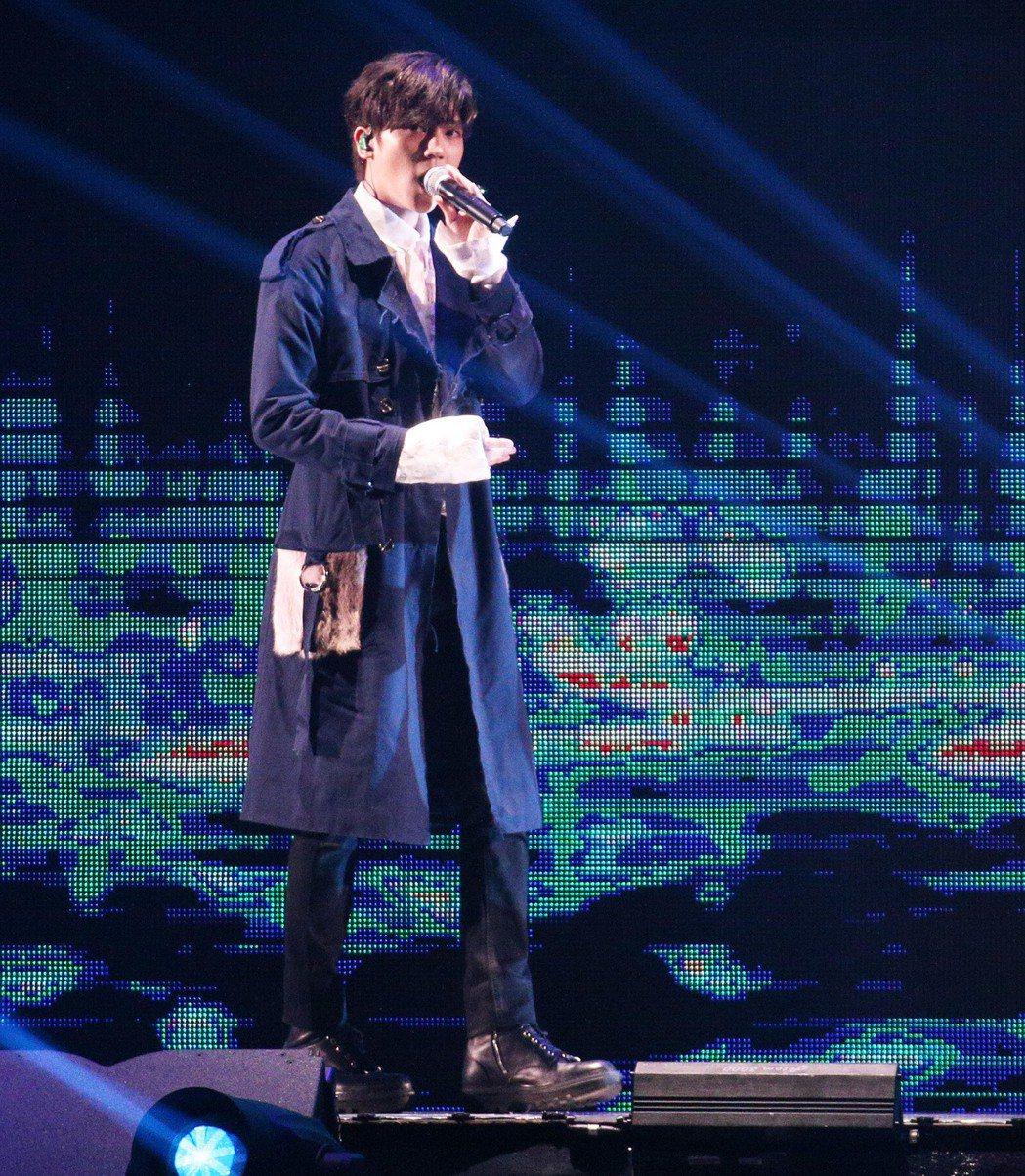 畢書盡擔任KKBOX表演嘉賓。記者劉學聖攝