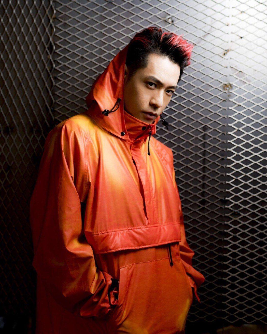 周湯豪榮獲今年KKBOX「年度風雲歌手」獎。圖/天熹娛樂提供