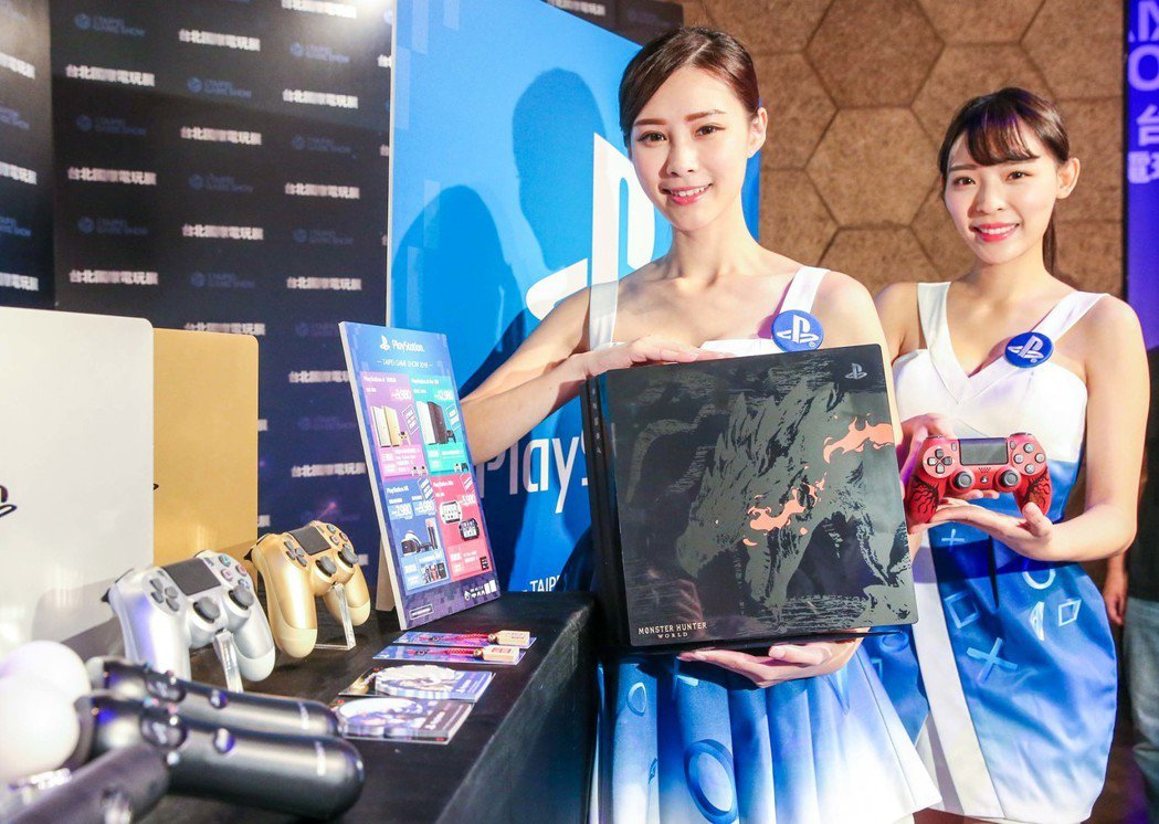 PlayStation攤位推出史上最強的會場限定購機方案,包括PS4 Pro、P...