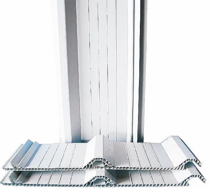 強屋雙層中空PVC塑鋼防熱浪板耐用安全,效果明顯,品質可靠。 強屋/提供