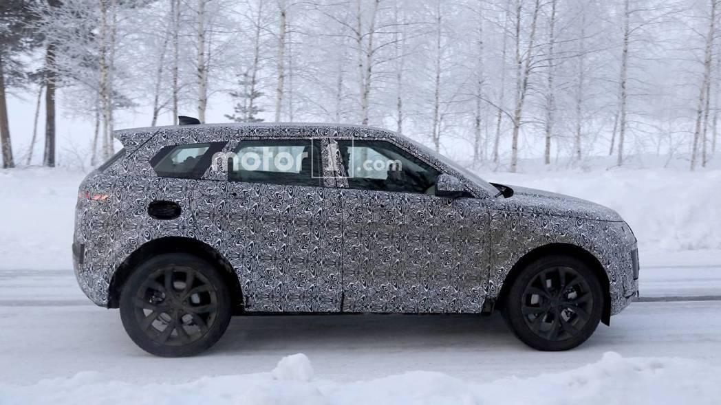 新一代Range Rover Evoque維持D8平台打造,車身尺碼可望加大。 圖片來源:Motor1.com