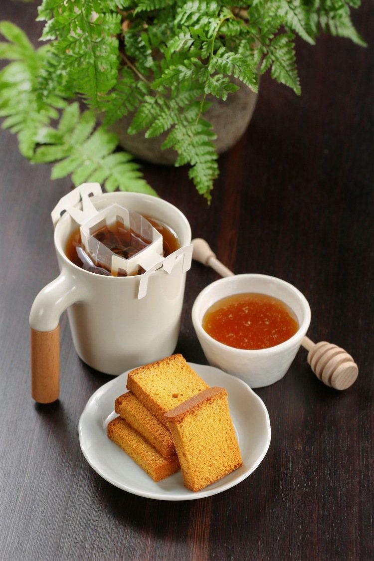 脆蛋糕紅茶禮盒,含蜜豐糖脆蛋糕16片、紅玉紅茶掛耳式茶包6入、蜂蜜200g1瓶,...