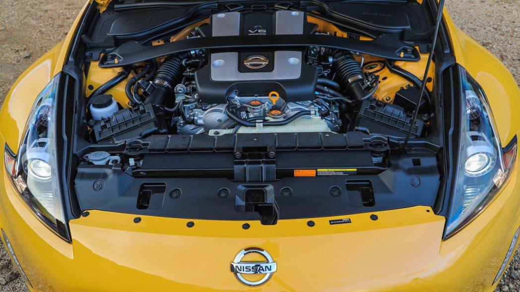日產銘機VQ37引擎。 摘自Nissan