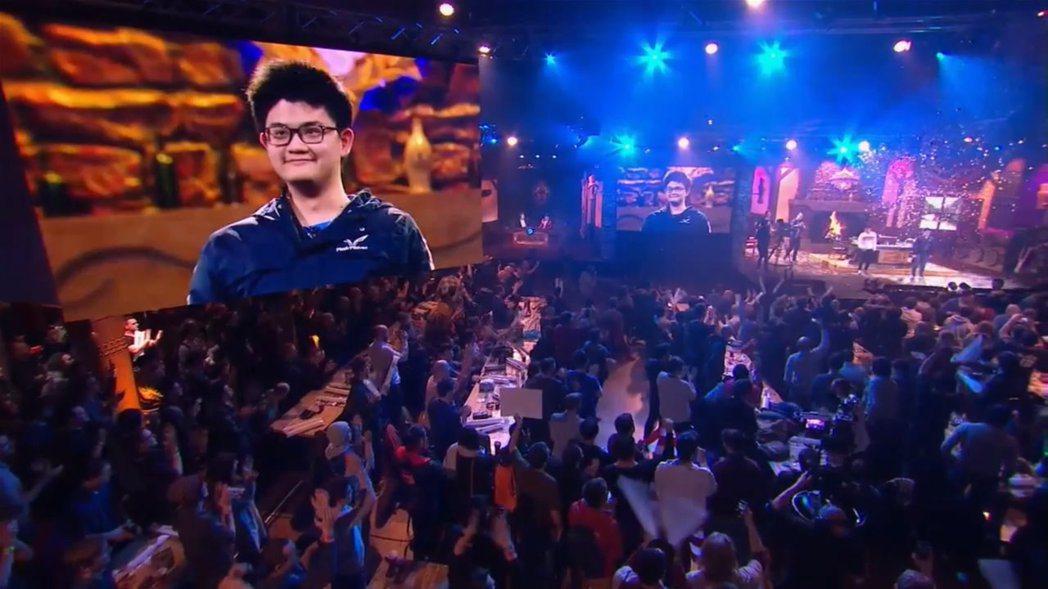 奪下冠軍後,Tom60229表示:「如果不是在台上,現在應該已經哭出來了。」 圖...