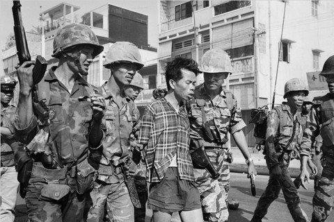 越共份子阮文斂(Nguyễn Văn Lém),他下一秒遭處決的命運,為春節攻勢...