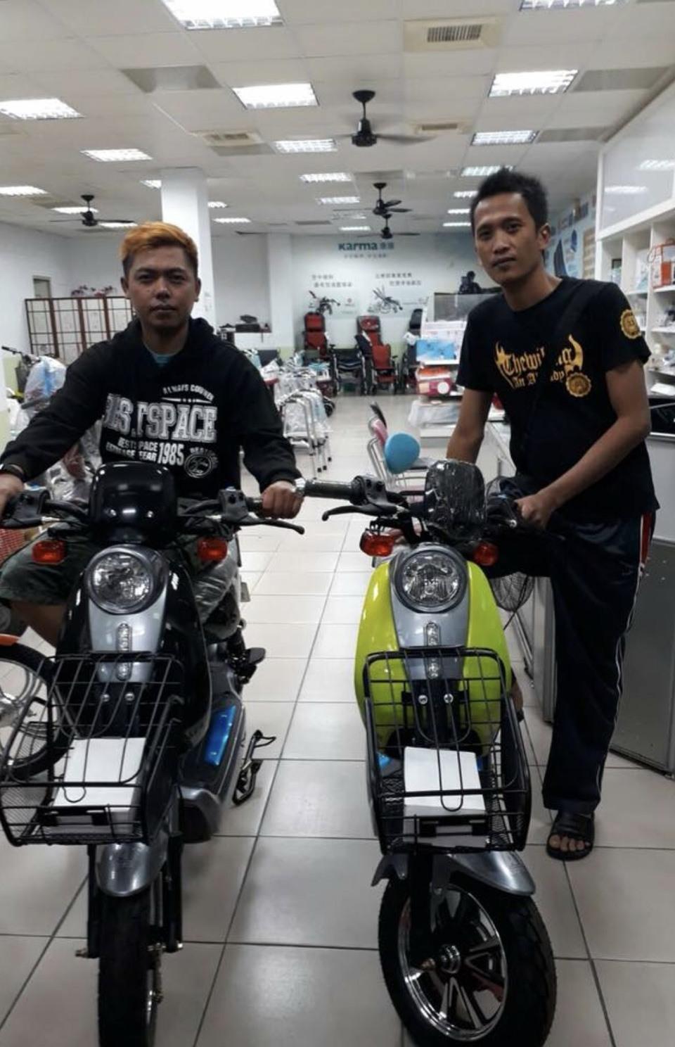 移工改騎電動自行車,越買越好,賣10台約8台是移工買的。圖/電動車業者黃淑芬提供