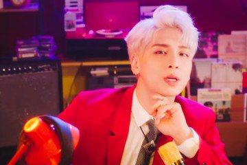 SHINee成員鐘鉉去年因憂鬱症結束生命,留給粉絲無限惋惜。他原本是SM娛樂今年首位回歸歌手,包括新歌、MV、宣傳照等都準備完成,在與家屬商討過後,SM按照原定計畫,今天公開他的新作「Shinin'...