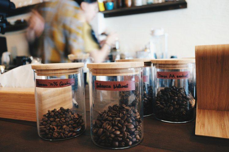 自家烘焙的咖啡豆。攝影/奧登