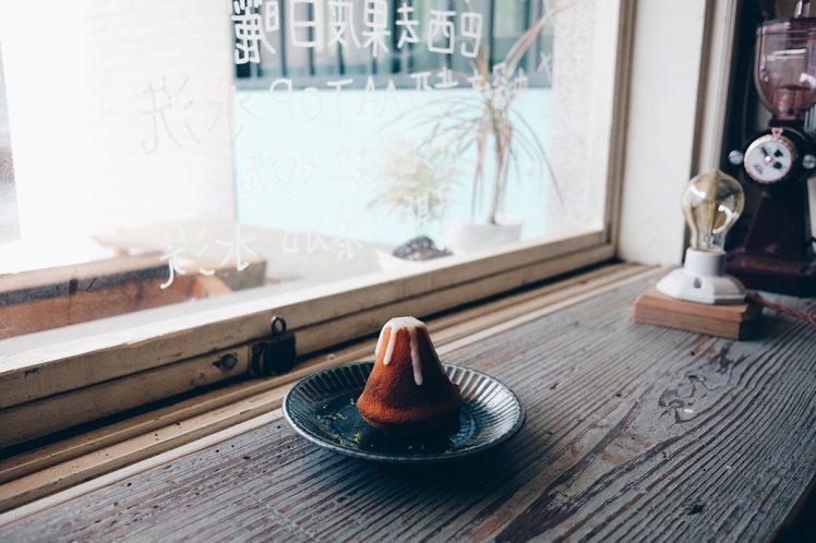 可愛富士山造型的每日甜點。攝影/奧登