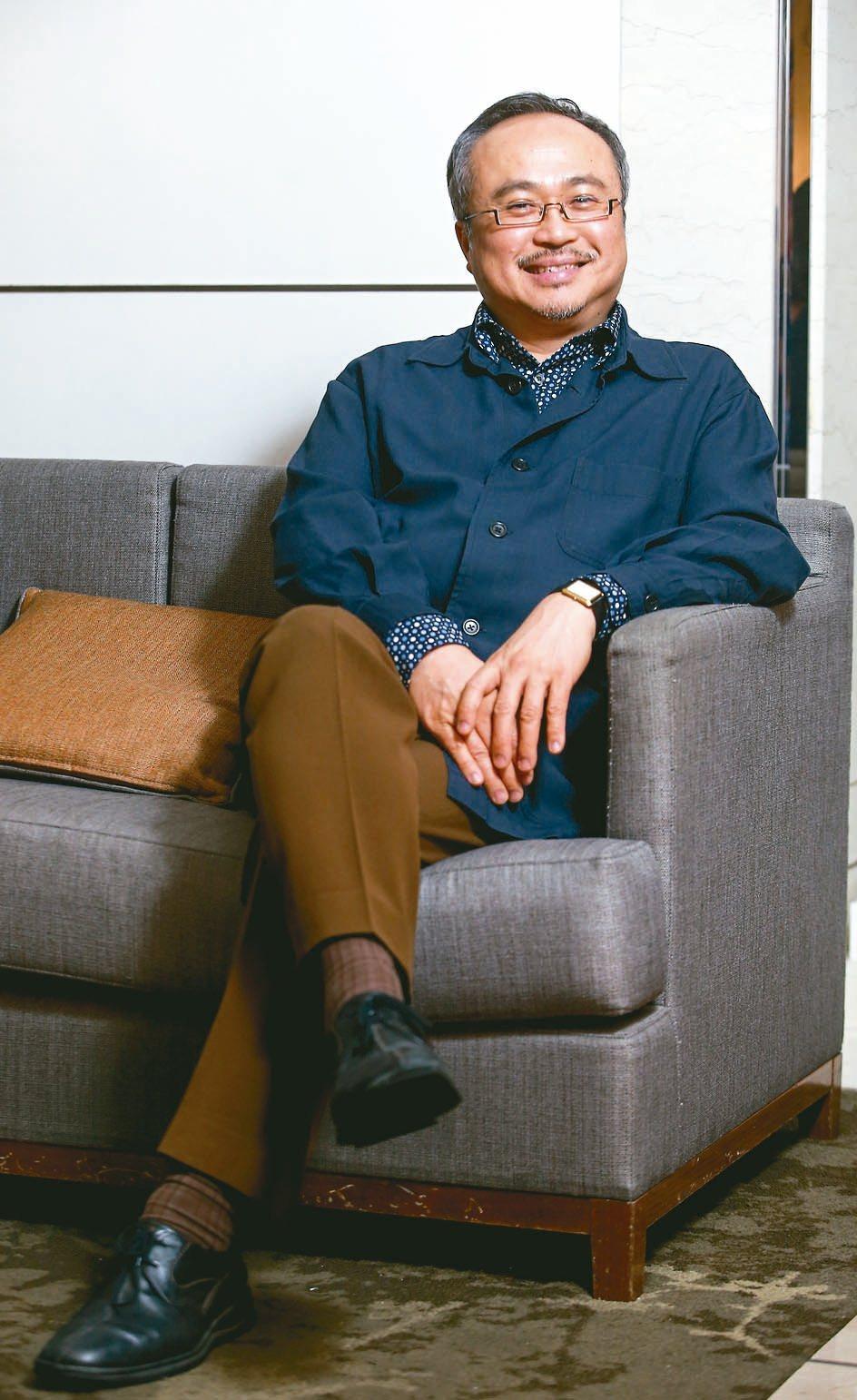 一九五八年出生於越南河內市的鋼琴家鄧泰山,廿二歲參加在波蘭華沙舉行的第十屆蕭邦國...