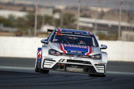 Volkswagen Golf GTI TCR 拿下杜拜 24小時耐久賽首站冠軍