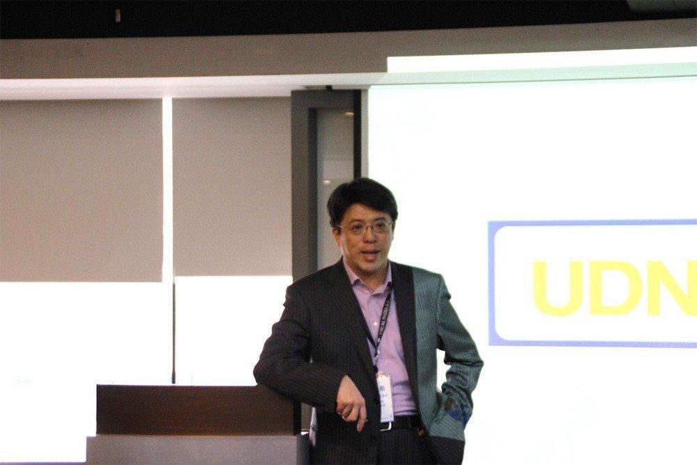 聯合數位文創董事長兼總經理李彥甫以長年於聯合報系的營運經驗,分享大型媒體集團數位...