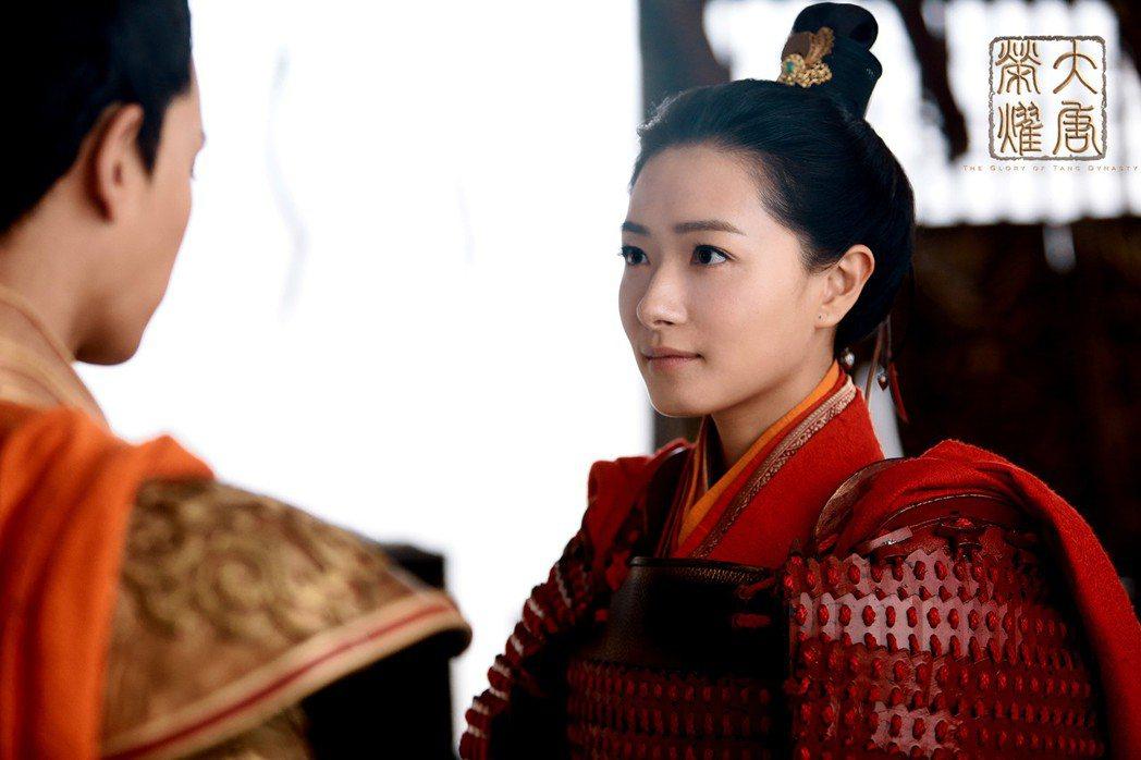 萬茜在「大唐榮耀」中飾演豪氣女將軍。圖/CHOCO TV提供