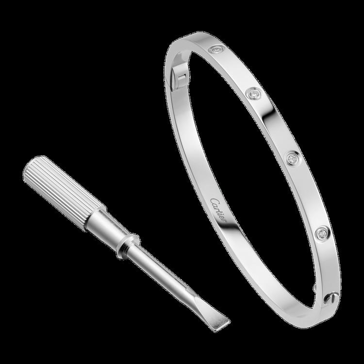 卡地亞 LOVE 系列白K金窄版鑲鑽手環,24萬9,000元。圖/卡地亞提供