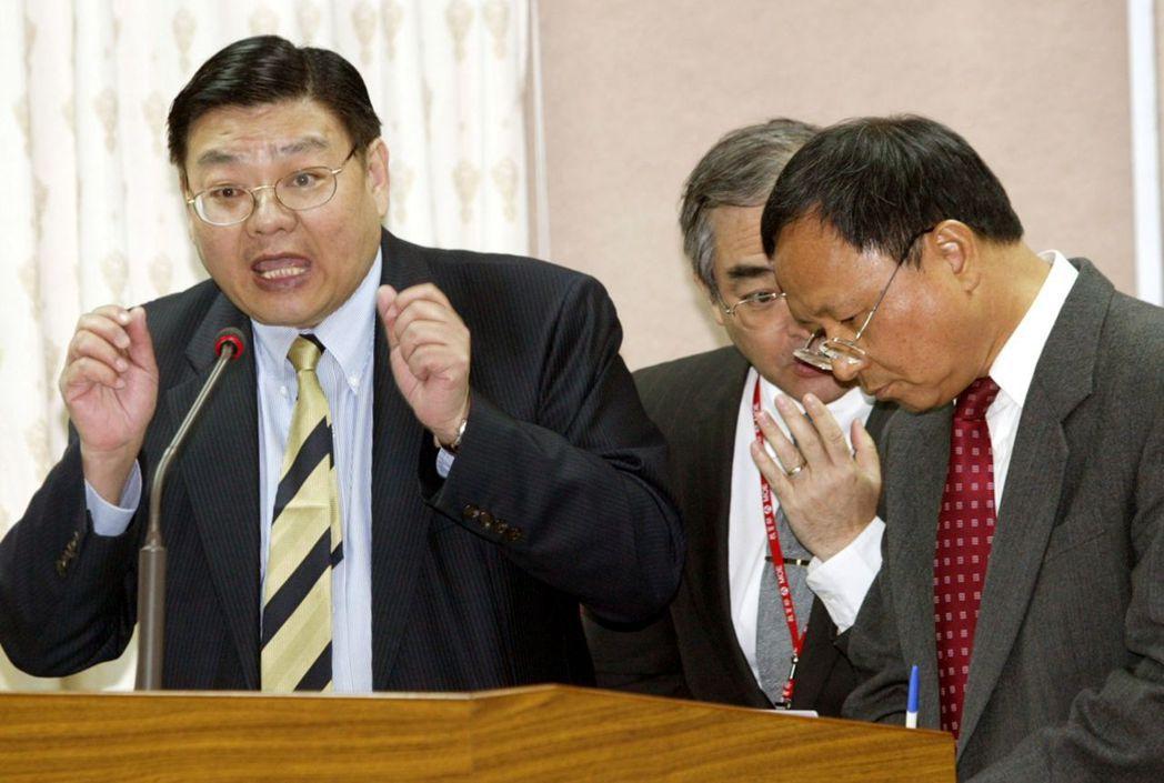 杜正勝(右)強調,選擇黃光彩(左)「純粹是為台師大找一個最合適的人」。 圖/聯合...