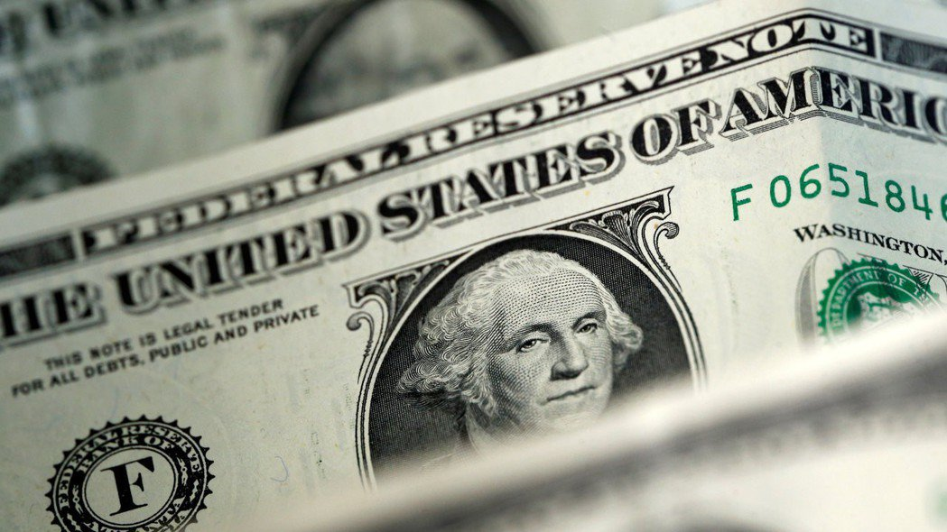 美元24日對一籃子貨幣貶至三年低點,DXY美元指數跌破90大關。 路透