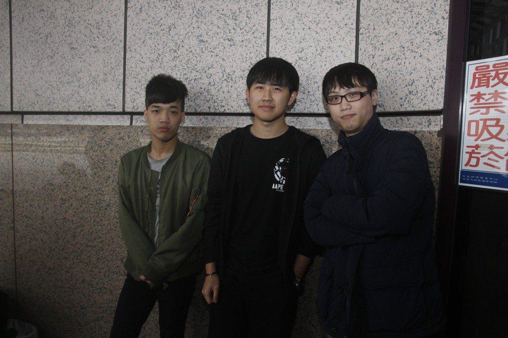 從左起:炫/Juby/失落的符號