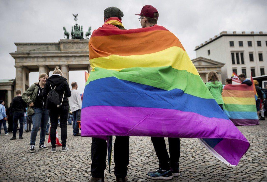 一直拿來當「反對同性婚姻入法」神主牌的德國同性伴侶法已走入歷史,如今許多德國同志...