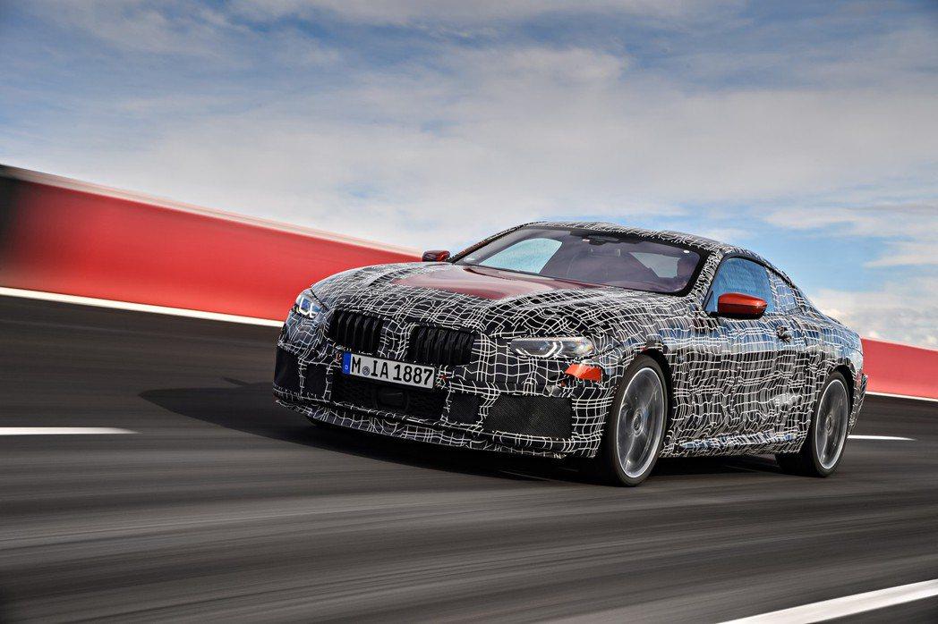 BMW 8 Series Coupe 測試車。 摘自BMW