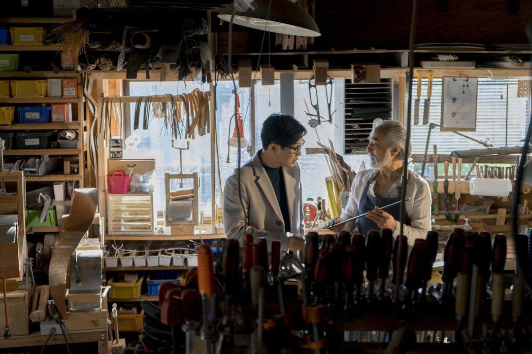品冠拍攝新歌「不會哭的人」MV特地到日本取景,與高齡演員合作。圖/太合音樂提供