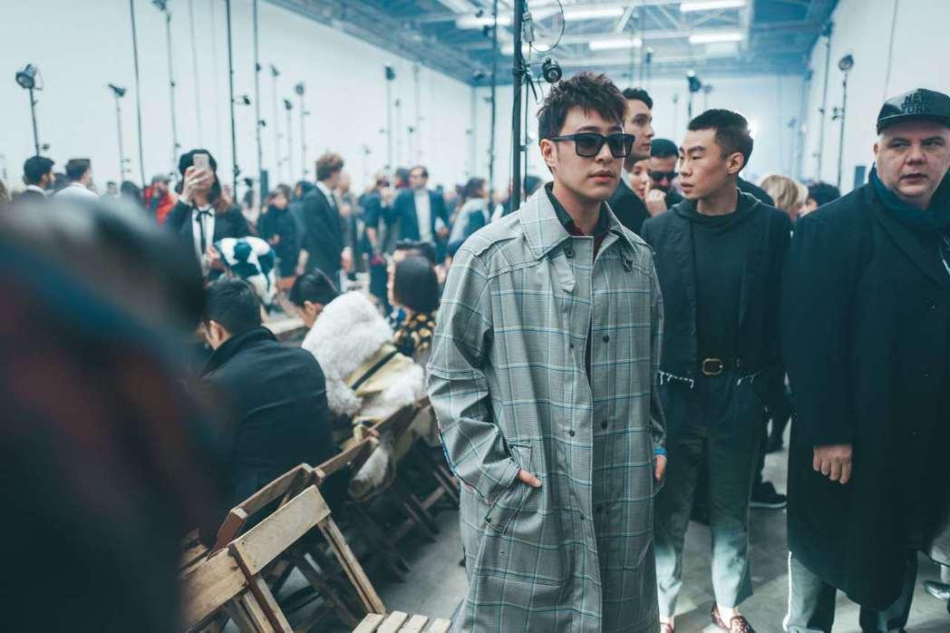 潘瑋柏近日參加巴黎時裝周。圖/時尚先生esquire提供