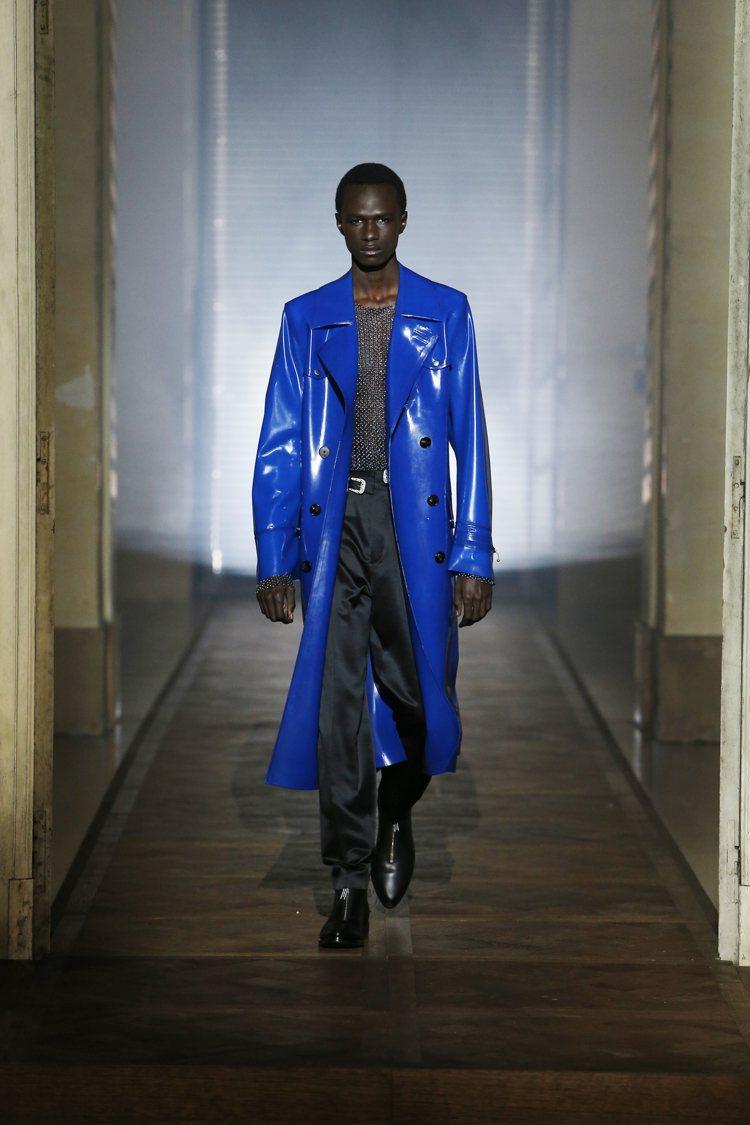 紀梵希設計總監凱勒首次創作高級訂製服,雙方也首次推出高級訂製男裝。圖/紀梵希提供