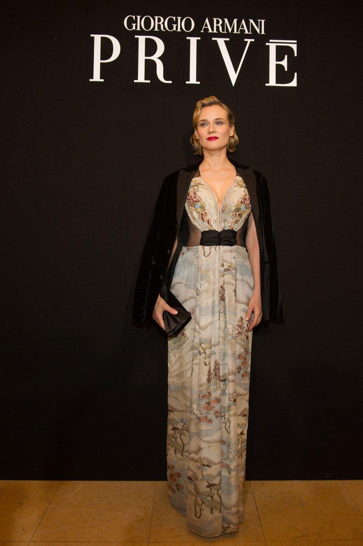 黛安克魯格出席亞曼尼高訂秀。圖/ Giorgio Armani提供