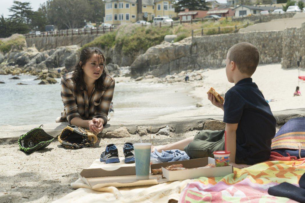 雪琳伍德莉在「美麗心計」演年輕媽媽。圖/HBO提供