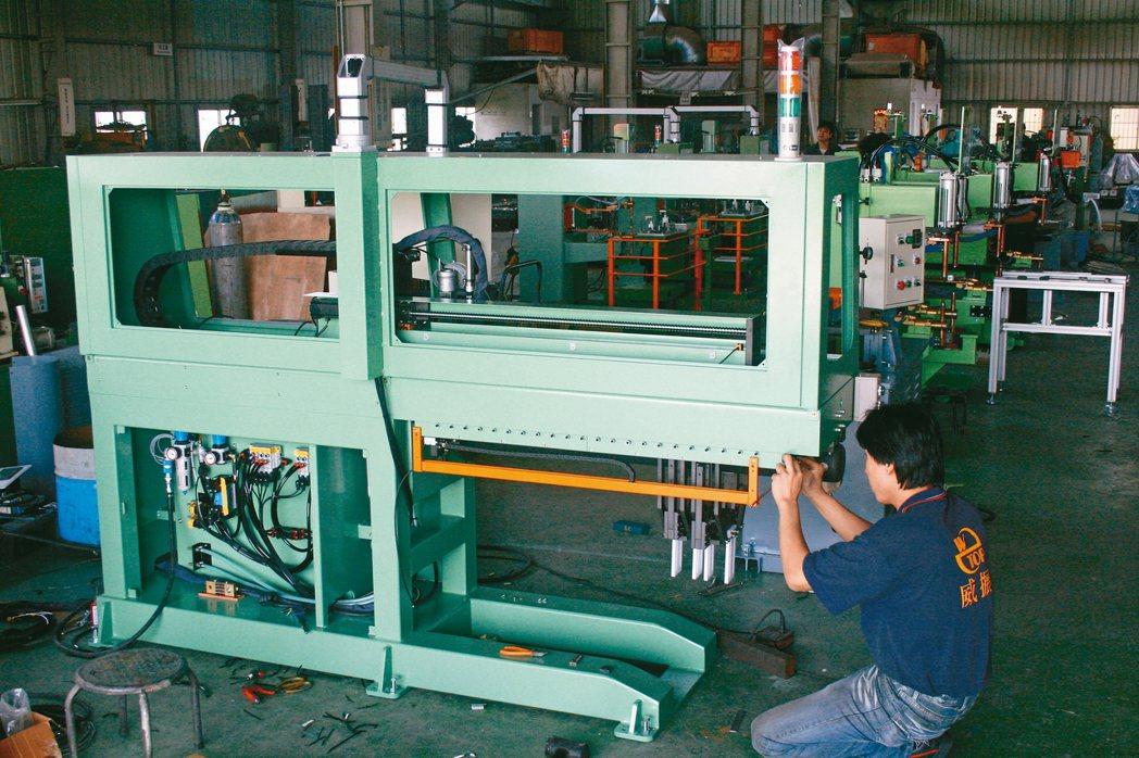 威搌自創「Welder-Top」品牌搶進全球焊接市場。 黃奇鐘/攝影