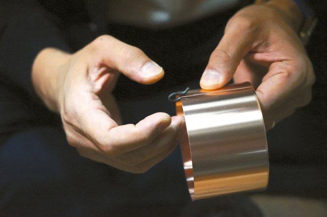 開化堂銅罐全靠手工打造。 圖/森CASA提供