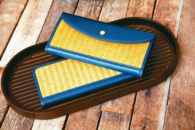 小菅達之將竹工藝應用到皮夾上。 記者陳瑞源/攝影