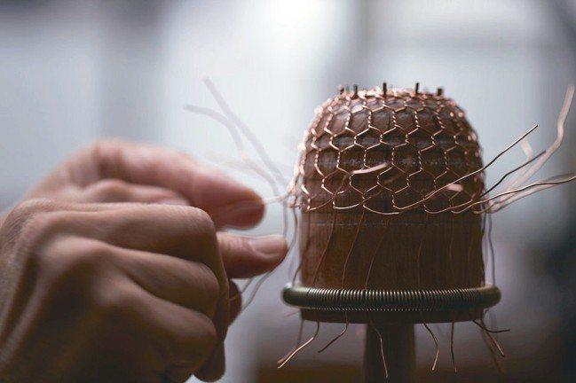 金網就這樣手工編織成。  圖/森CASA提供