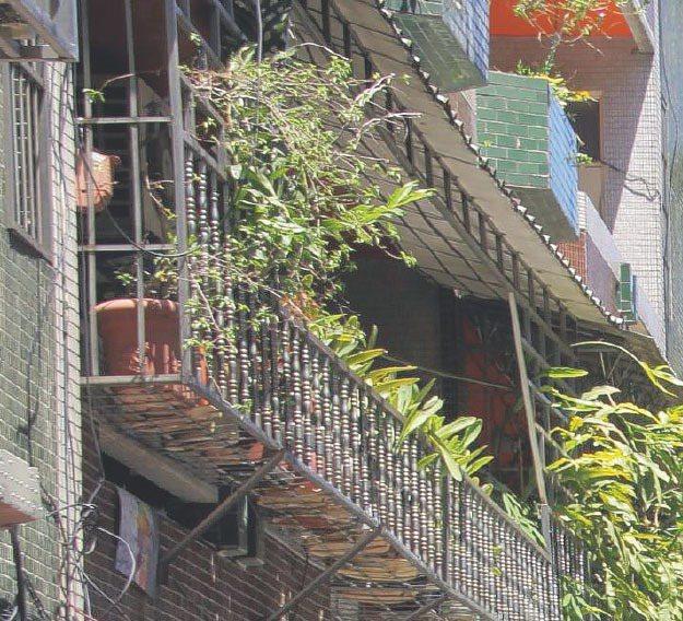 北市推陽台補登服務,但估價師說,若短期沒有賣房或都更需求,就不用急著去補登陽台。...