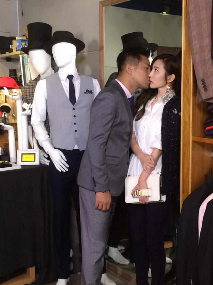 曾莞婷(右)在劇中遭謝承均(左)強吻。 圖/擷自曾莞婷臉書