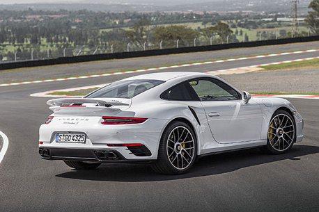 上看600hp 新款 Porsche 911 Turbo 測試中