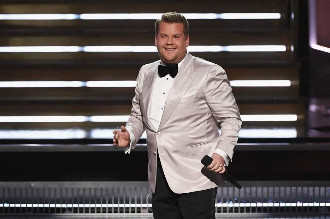 英國喜劇諧星詹姆斯柯登主持本屆葛萊美獎頒獎典禮。圖/Star World提供