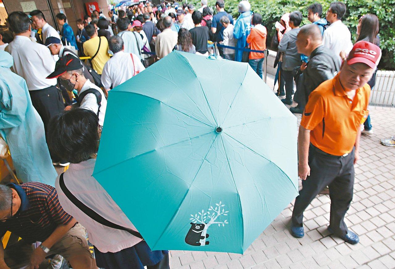 中鋼宣布將大舉徵才461人,即日起開放報名,由於待遇不錯,預期將掀起報名熱潮。圖...