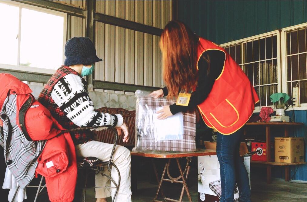 華山新竹地區為獨居長輩募集年菜,目前仍缺300多份。圖/華山提供