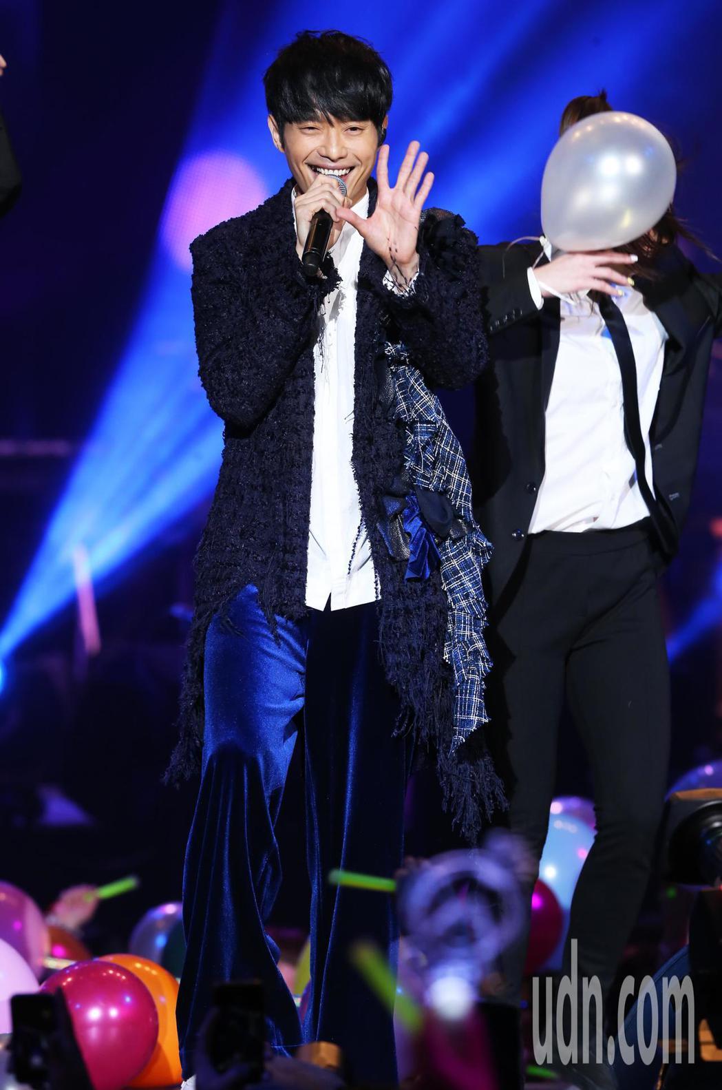 張棟樑《口袋的五度世界》巡迴演唱會,今天晚上在台北A-STATION展演中心首場...