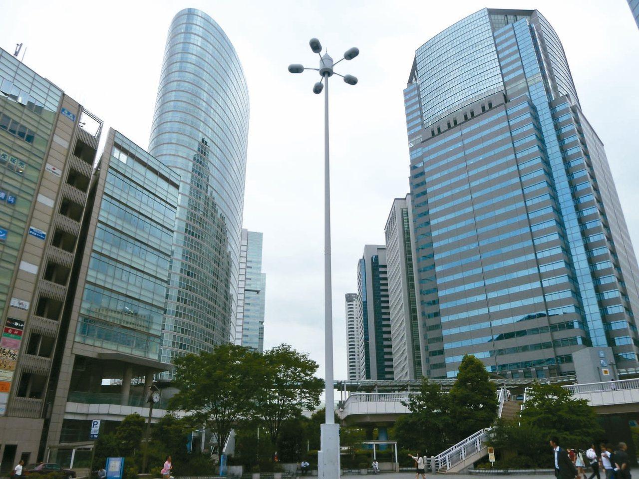 位於東京都繁華商業區內的品川區,是東京都內23個特別區之一,地理位置西望富士山、...