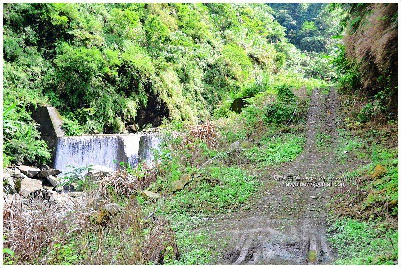 ↑牛稠溪上游支流的第二、三座水濂瀑。