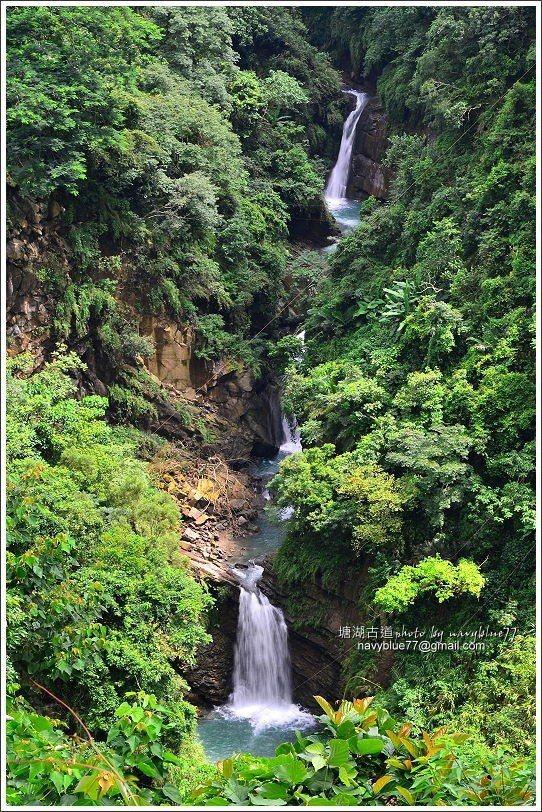 ↑由休憩平台上可以再度下瞰甕缸潭瀑布。