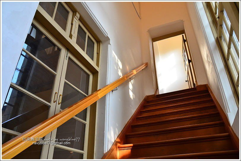 ↑往貓道的階梯,平時是關著的,要由專人導覽才能上去。