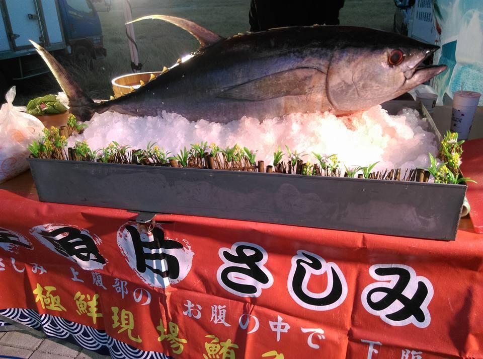 嘉義縣議員葉孟龍上月婚宴席開568桌,不收紅包還有現切鮪魚秀。 圖/林塏翰提供