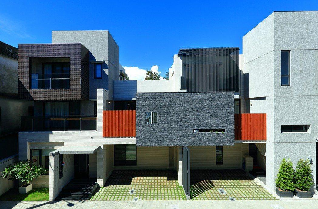 「托斯卡尼」榮獲全國建築金質獎榮耀肯定,外觀具設計質感。 圖片提供/瀚豐泰建設