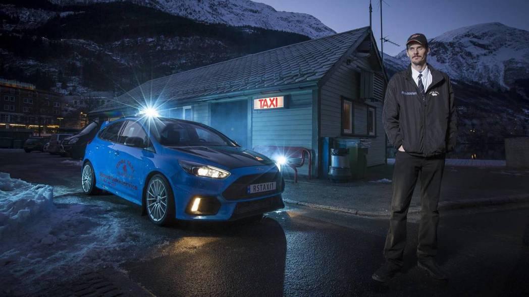 Evald Jåstad與他的Focus RS。 摘自carscoops