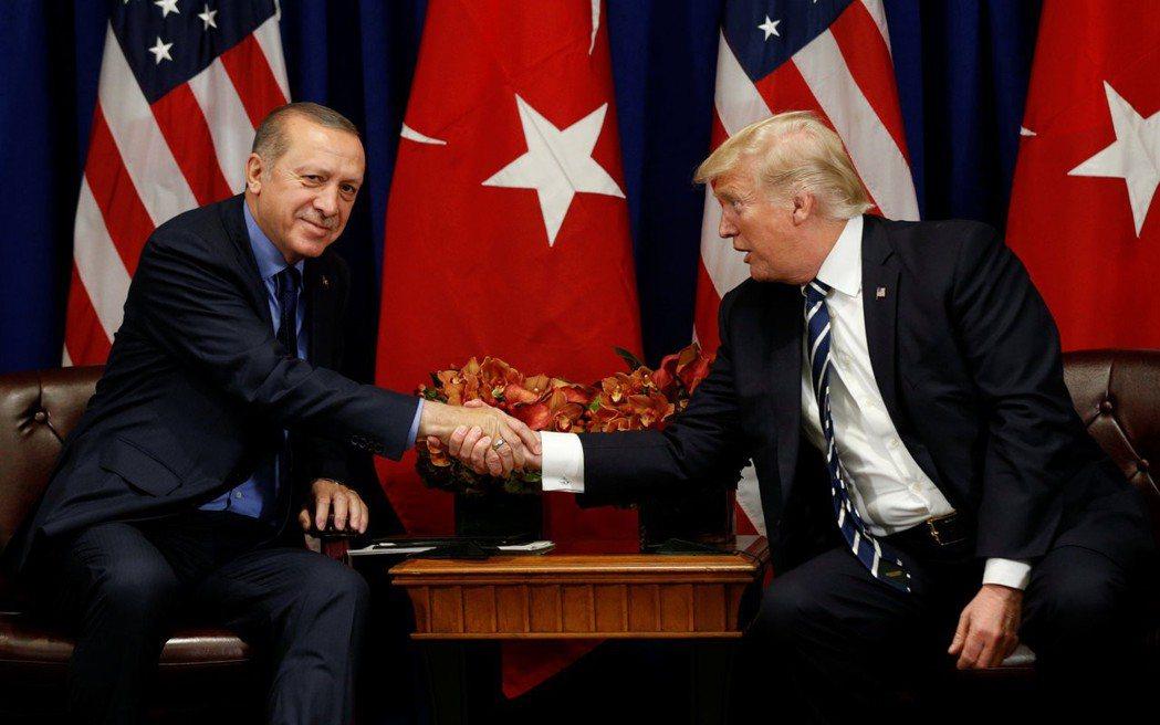 土耳其下得一手好棋,行動剛開始時,美國並沒有強力譴責土國,態度軟化。行動開始五天...