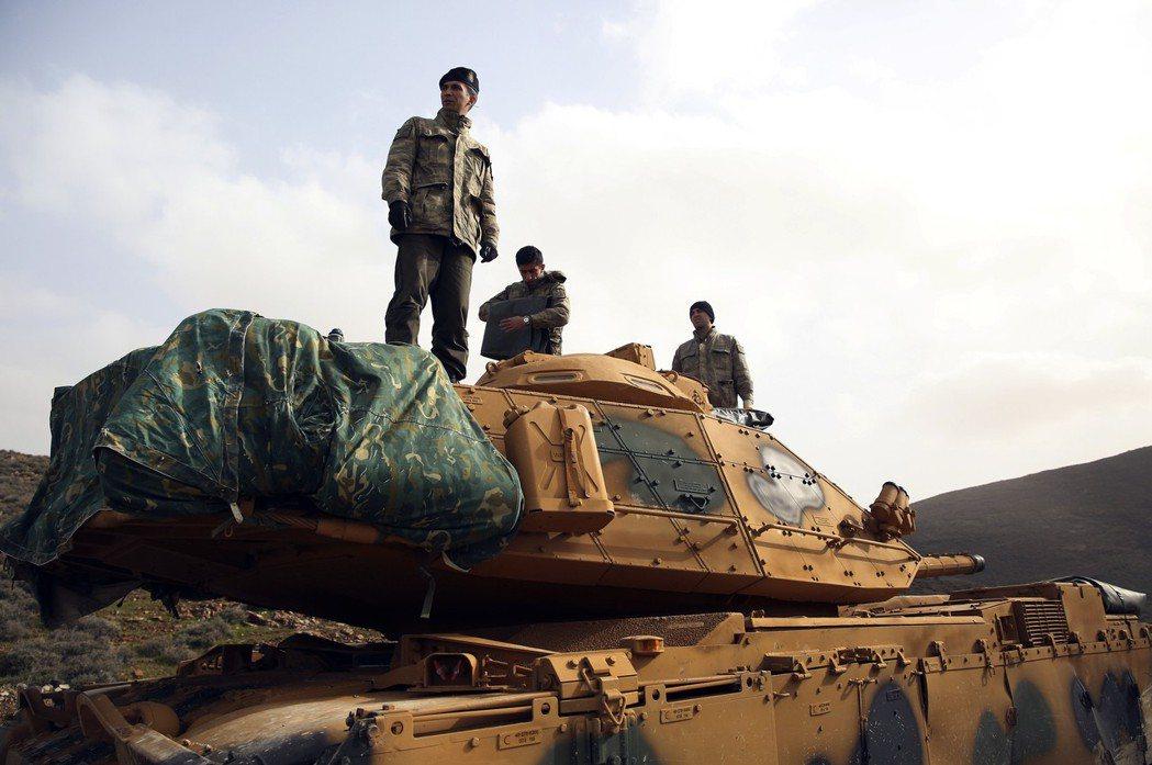 1月20號土國宣布進軍敘利亞北方的阿夫林地區,正式展開「橄欖枝行動」,矢志剿滅土...